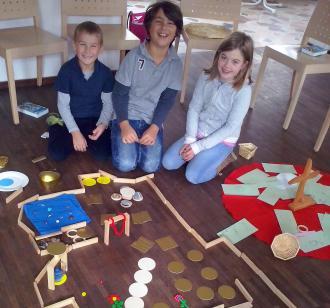 Kinder bauen den Garten der Gerechtigkeit Gottes nach Jesaja 61,11